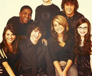 zoey 101, victoria justice, and nickelodeon image