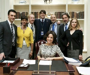 anna chlumsky, julia louis-dreyfus, and veep image