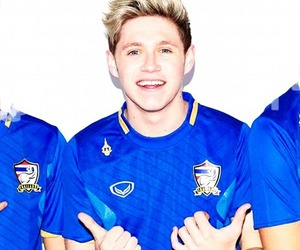 jersey and niall horan image