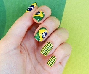 nails and brazil image