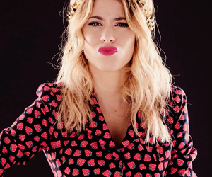 martina stoessel, violetta, and stoessel image