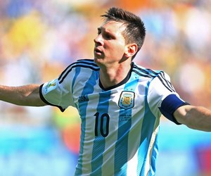 argentina and lionel messi image