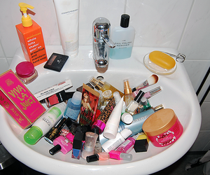 bath room, cosmetic, and fashion image