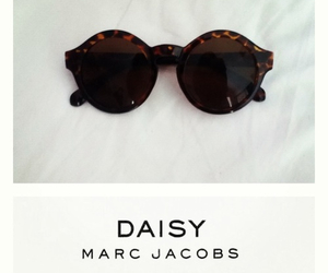 fashion, marc jacobs, and sunglasses image