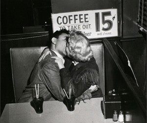 kiss, vintage, and couple image