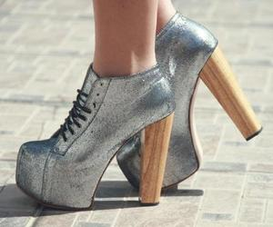 chaussures, girls, and talons image