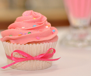 bow, cupcake, and pretty image