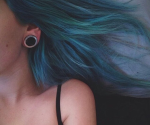 blue hair, pale, and soft grunge image