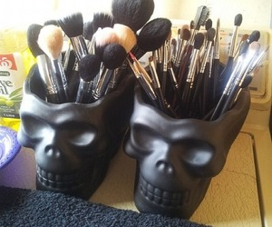 skull, makeup, and Brushes image
