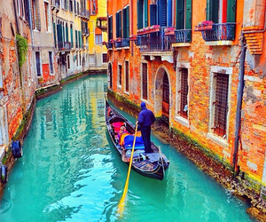 venice and colors image