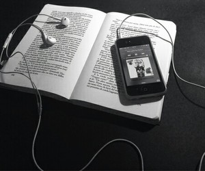 books, music, and 5sos image