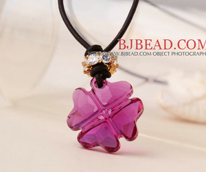 four leaf clover pendant and simple pendant necklace image