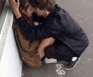 pale and tumblr couple image