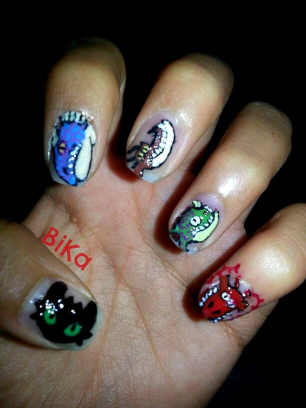 Httyd Nail Art Uploaded By Bika On We Heart It