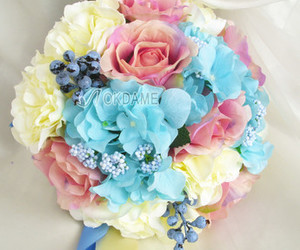 wedding bouquets and wedding accessories image