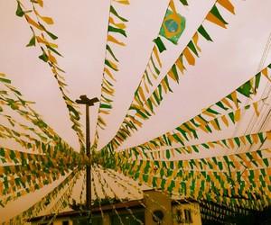 amarelo, bandeirolas, and brasil image