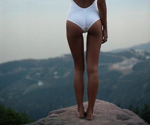 girl, body, and summer image