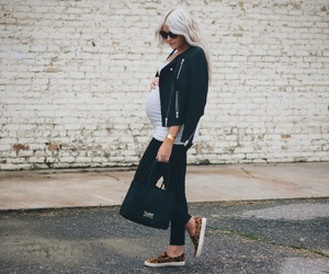 chic, fashion, and pregnant image