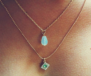 neck, jewrely, and necklace image