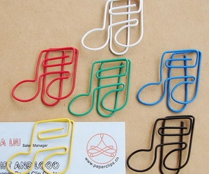 clip, note, and paper clip image