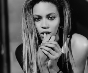 beyoncé and black and white image