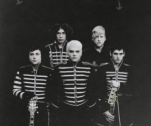 mychemicalromance, welcometotheblackparade, and jointheblacparade image