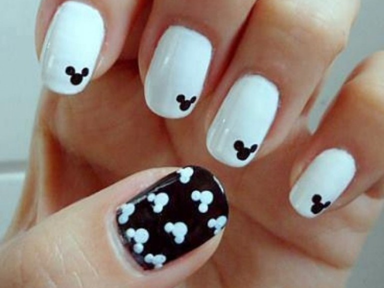 Mickey Mouse nails! shared by MRoxx on We Heart It