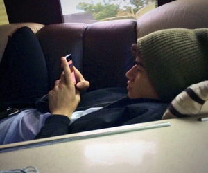 cuddle, 5sos, and calum hood image