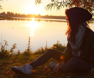 girl, sun, and alone image