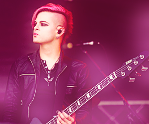 Hot, pink hair, and tommy joe ratliff image