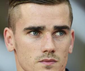 antoine griezmann, griezmann, and football image