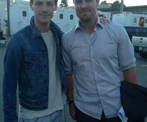 stephen amell, arrow, and grant gustin image