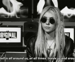 Taylor Momsen, hell, and the pretty reckless image