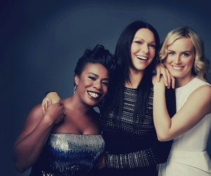 photoshoot, orange is the new black, and laura prepon image