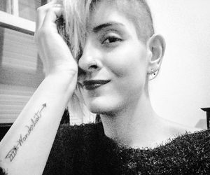 preto e branco, tatuagem, and sidecut image