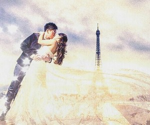 eiffel tower, kiss, and pretty image