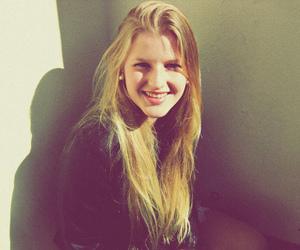 girl, menina, and smile image
