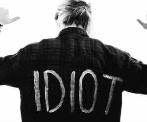 5sos, idiot, and michael clifford image