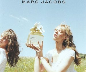 marc jacobs, daisy, and model image