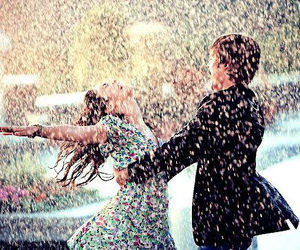 couple, rain, and zac efron image