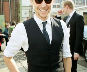 tom hiddleston and smile image