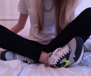 girl, pale, and nike image