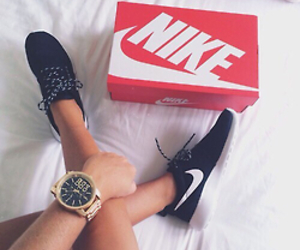 bed, roshe run, and clock image