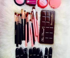 makeup, pretty, and pink image