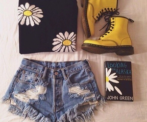 daisy, outfit, and doc martens image