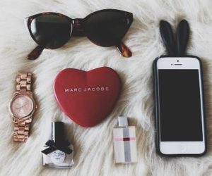marc jacobs, iphone, and sunglasses image