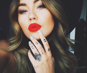 style and red lips image