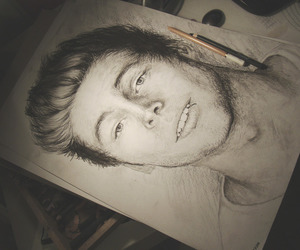 art, draws, and luke hemmings image