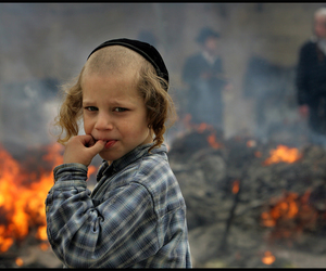 children, humanity, and war image