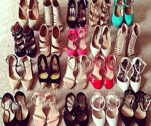 paradise and shoes image